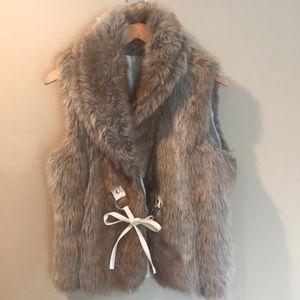Fur Vest with front tie